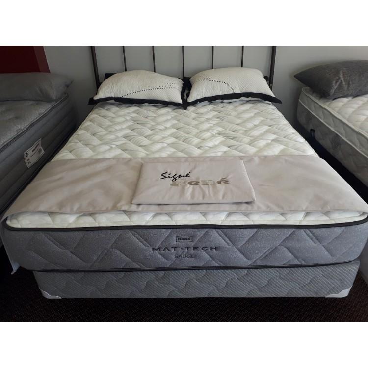 matelas fin interesting matelas mousse fin matelas tapissier de sol with matelas fin stunning. Black Bedroom Furniture Sets. Home Design Ideas